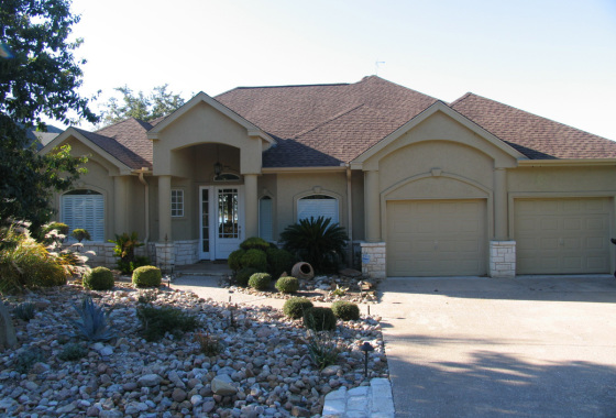 Lake-Travis-Lookout-4 Bedrooms/3.5 Baths-Sleeps 11