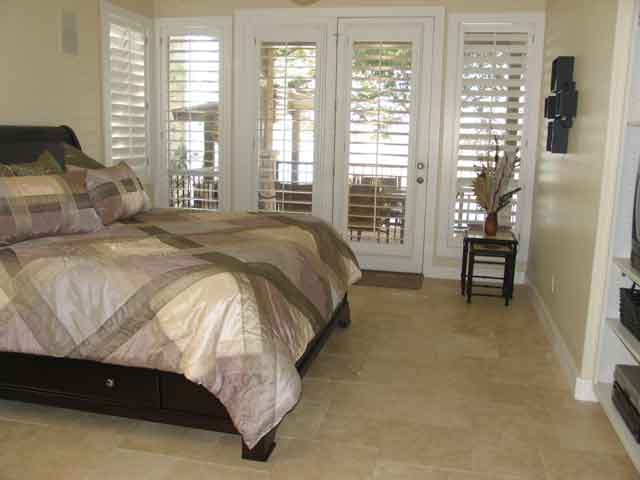 Lake-Travis-Lookout-II---Master-Bedroom-with-King