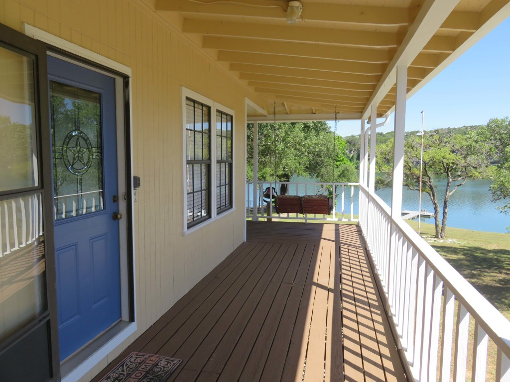 Lake Travis Getaway Entry