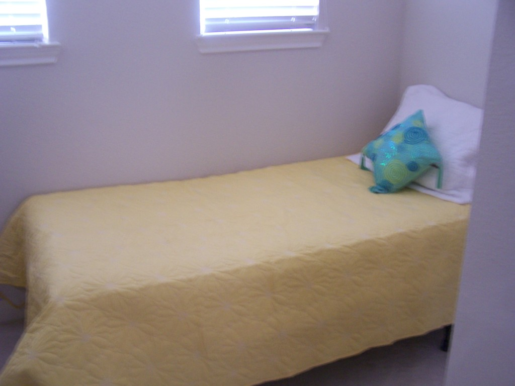 Lake Travis Vacation Bedroom 5.5 with Twin Bed