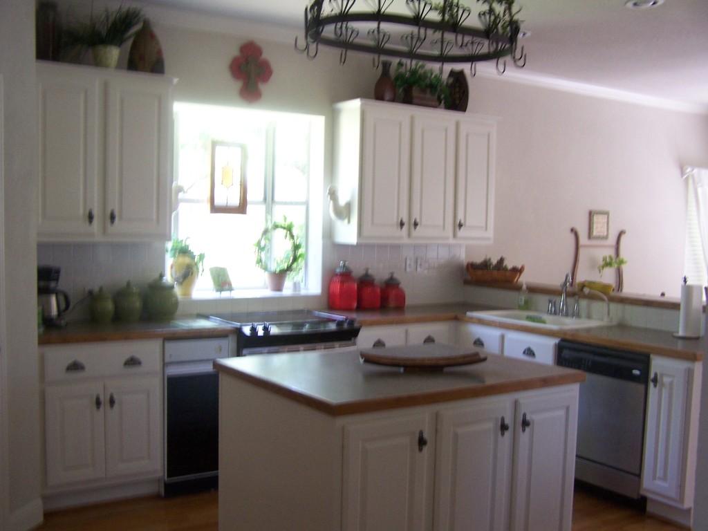 Lake Travis Vacation - Kitchen Area
